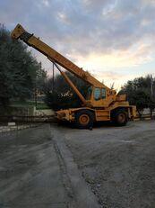 COLES Husky RT625 mobile crane